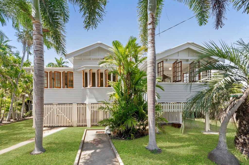 Character Filled Queenslander Cottage!