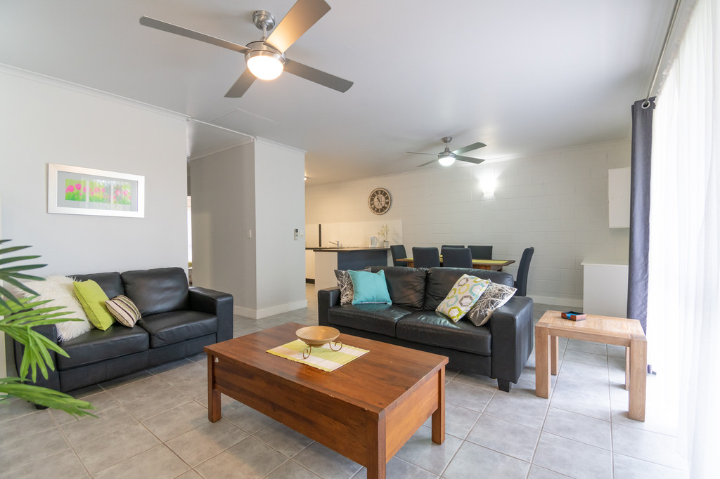 Calling All Savvy Investors – Immaculate & Fully Furnished !