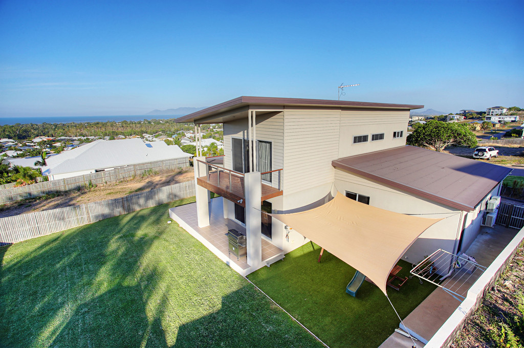 The Family Dream Home With Panoramic Ocean Views