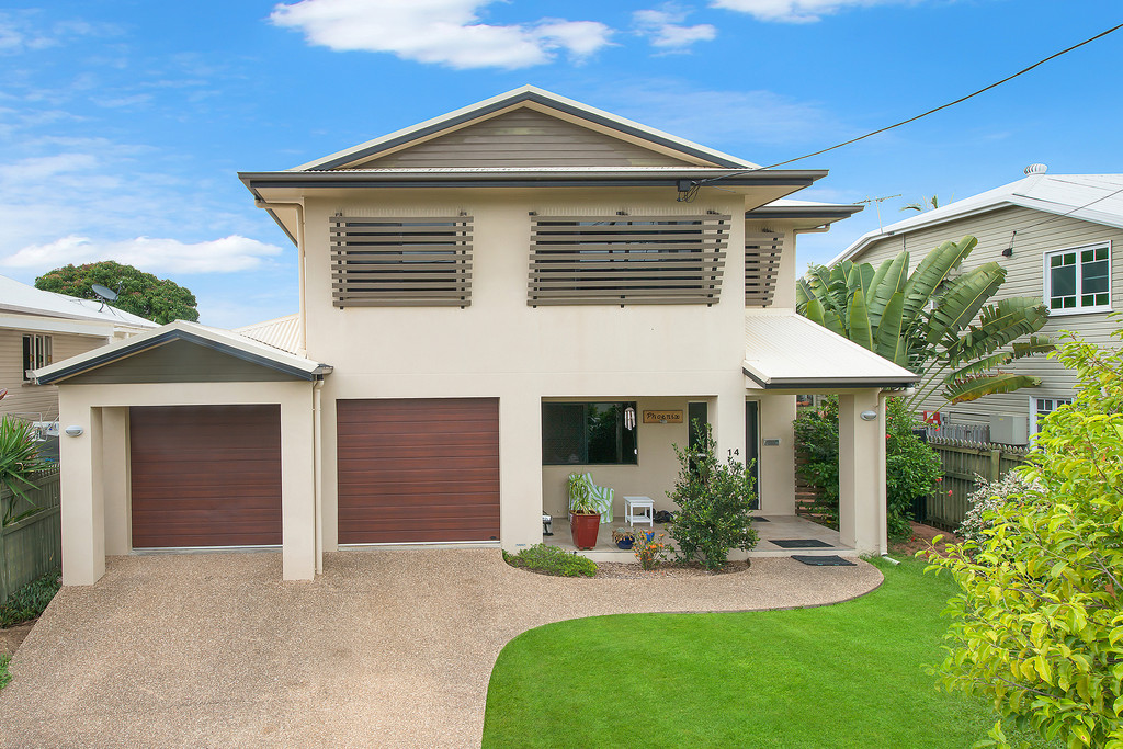 5 bedrooms, In-Ground pool, Powered Shed  Centrally Located in West End