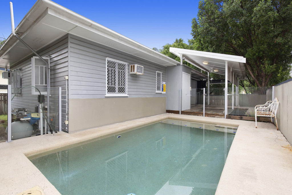 Modern, Character Filled Cottage In Hermit Park With Pool!